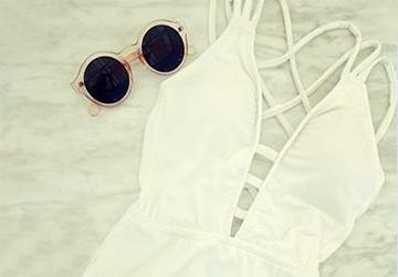 Белые купальники 2014