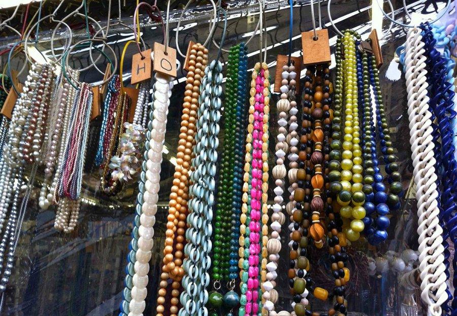 Винтажные бусы и ожерелья