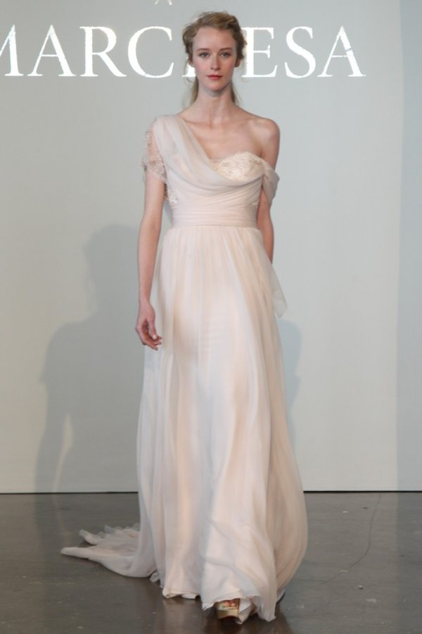 Свадебное платье Marchesa 2015