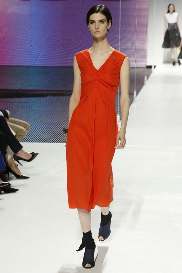 Красное платье Dior 2015