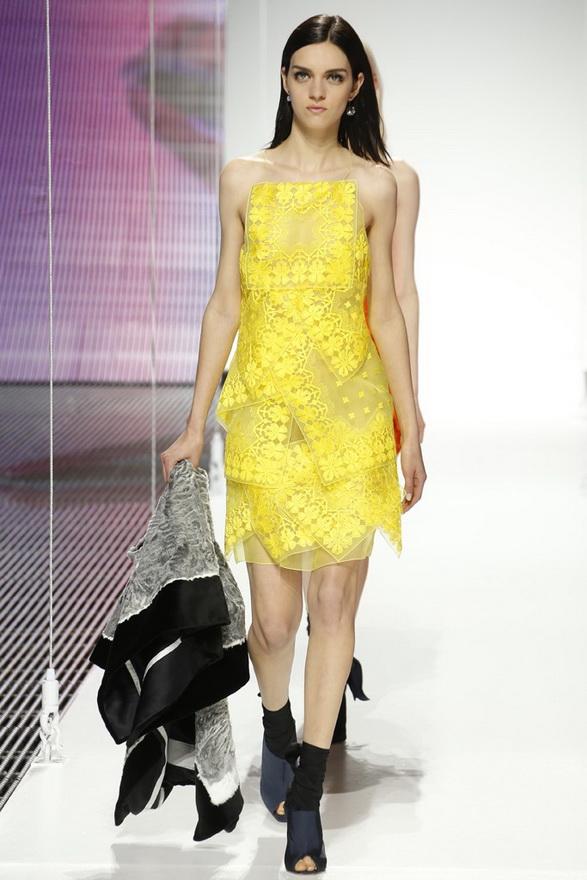 Желтое платье Dior 2015