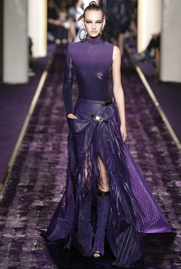 Фото фиолетового платья Versace