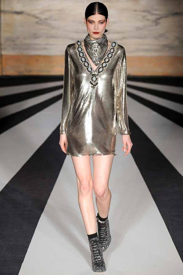Блестящее платье Matthew Williamson