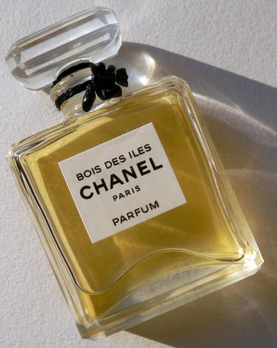 Духи Chanel – аромат для женщин Bois des Iles