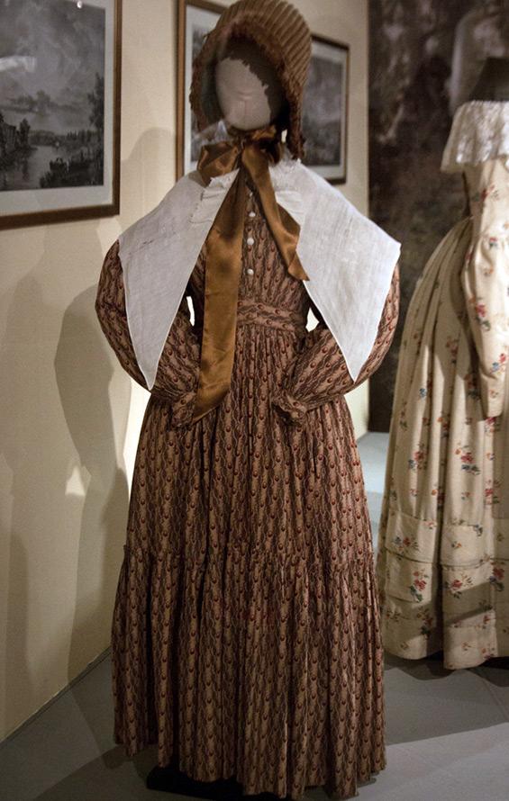 Антикварное платье, фото