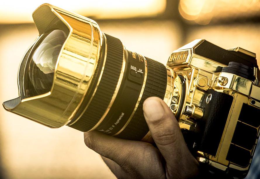 Золотой фотоаппарат от Brikk