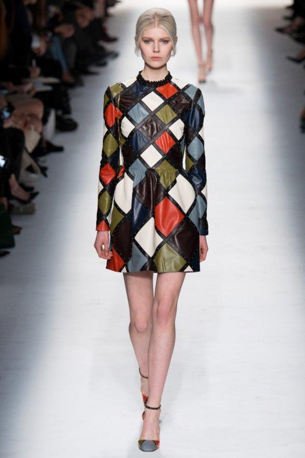 Разноцветное кожаное платье