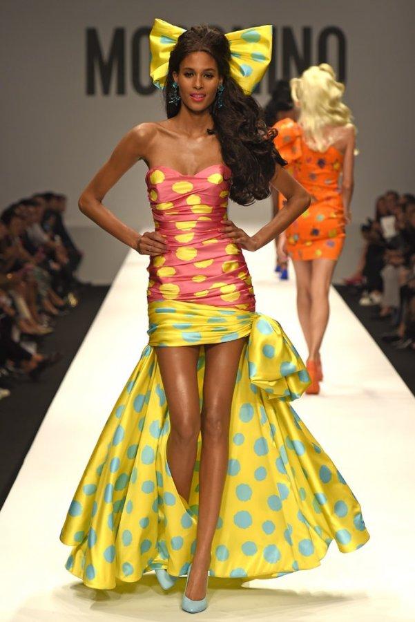 Платье Moschino в стиле Барби