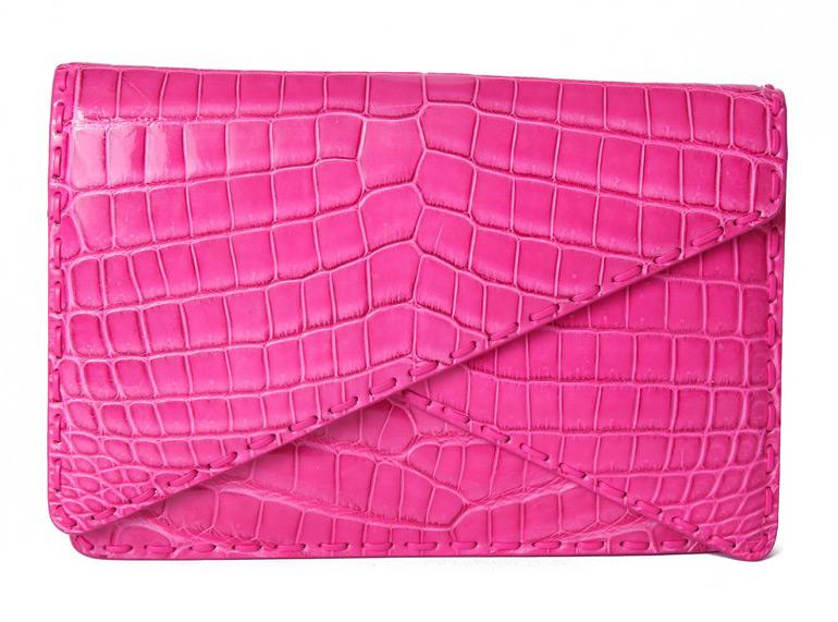 Ярко – розовая сумка конверт