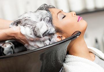 В какой воде мыть волосы?