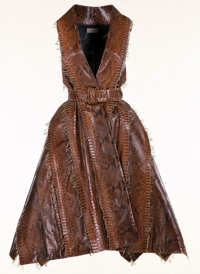 Платье из кожи питона