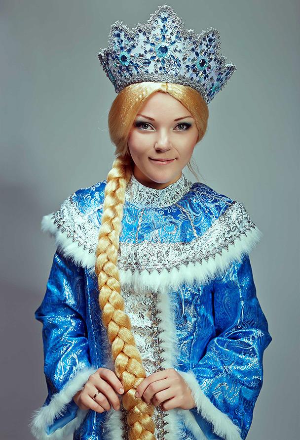 Платье или костюм снегурочки: https://mylitta.ru/1828-snegurochka-dress.html