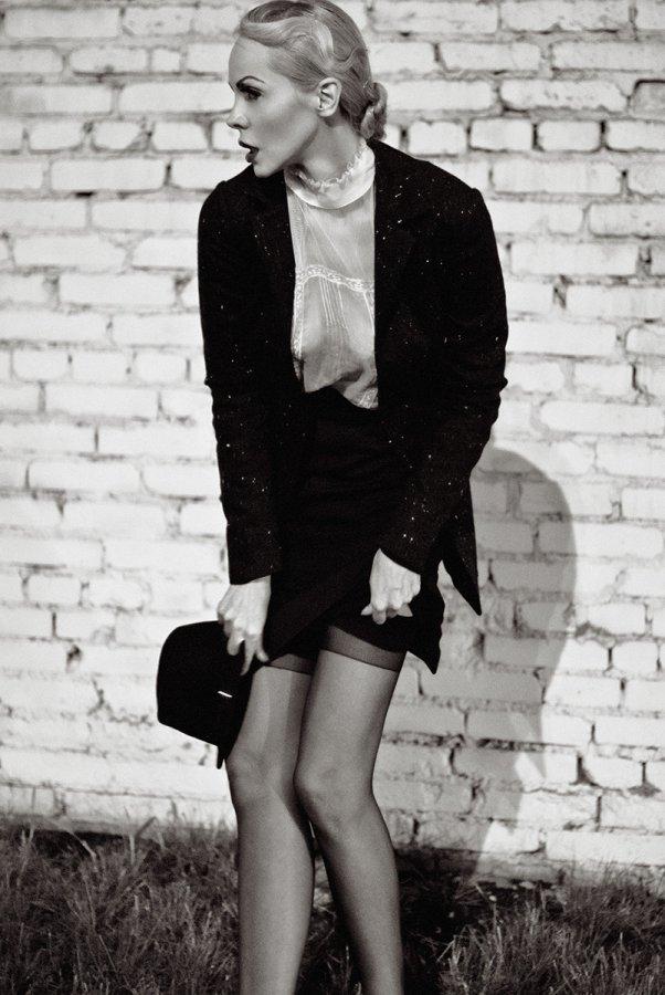 Джулия Ванг – фото