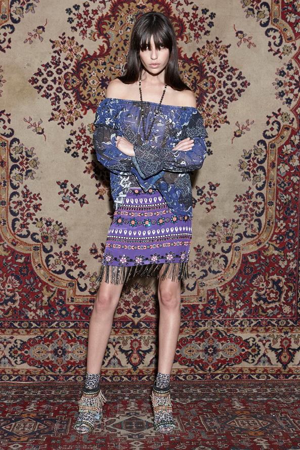 Коллекция Nicole Miller на фоне ковров