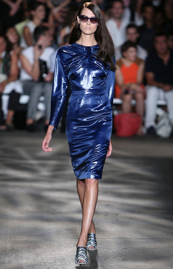 Блестящее платье Christian Siriano