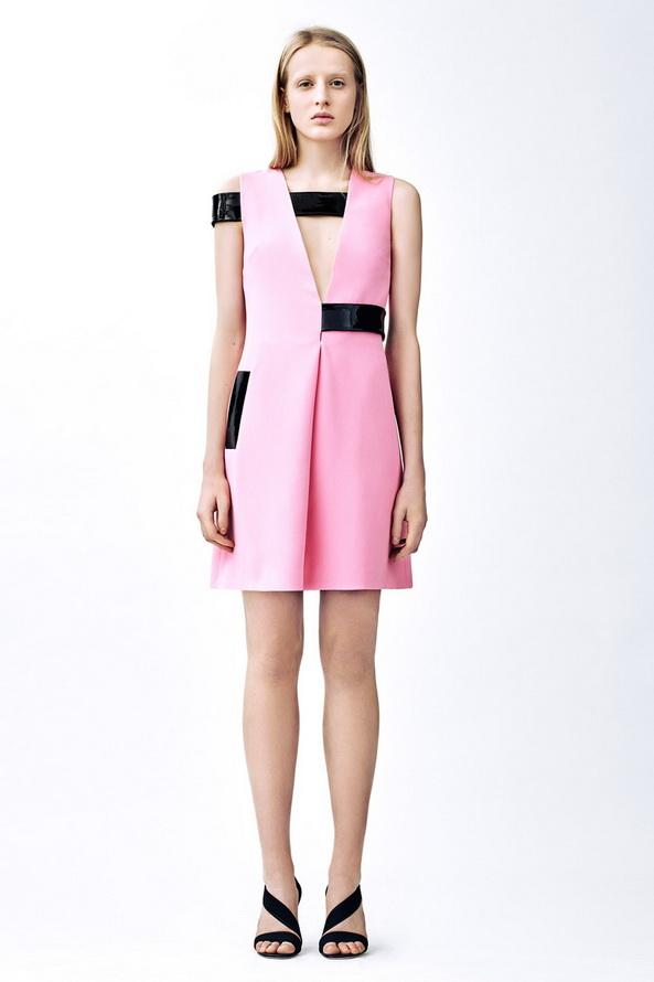 Розовое платье фото