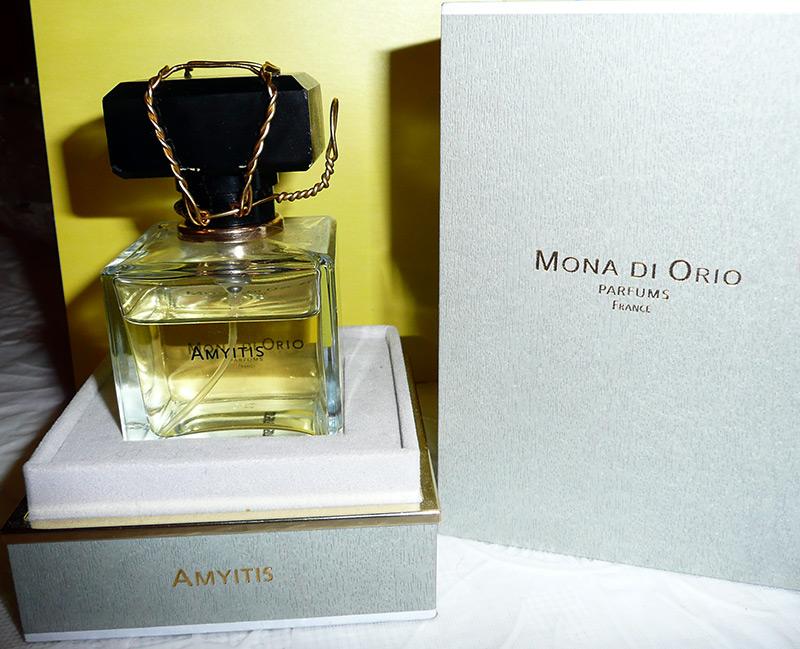 аромат Mona di Orio Amyitis