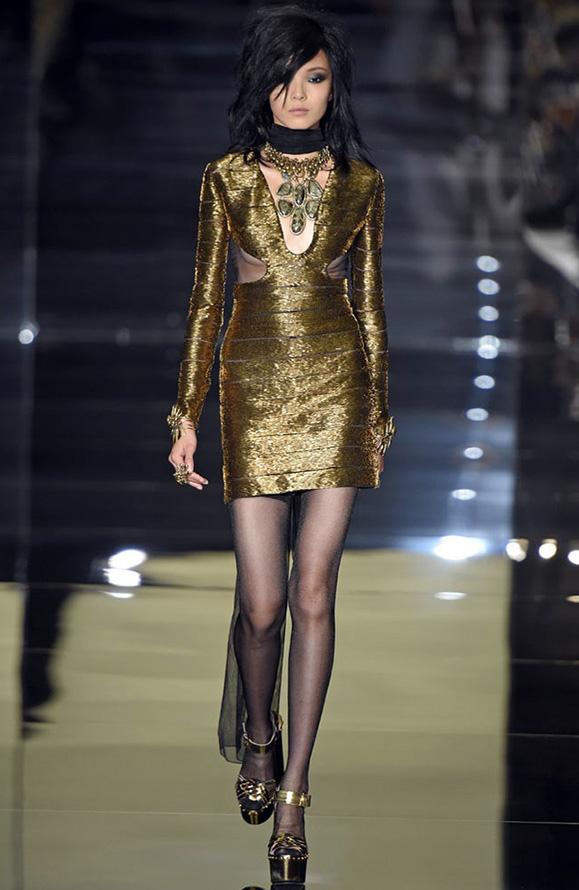 Золотое платье Tom Ford