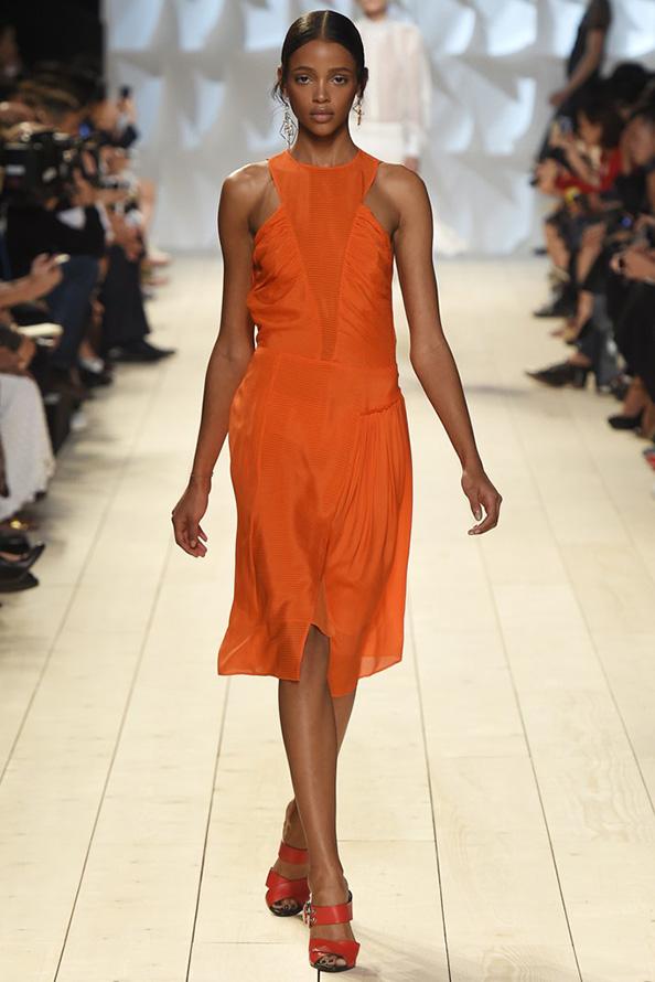 Оранжевое платье фото