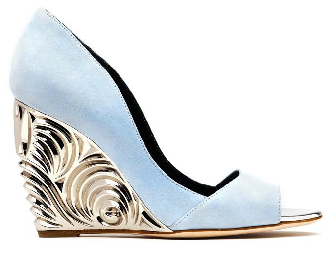 Модная женская обувь на танкетке 2015