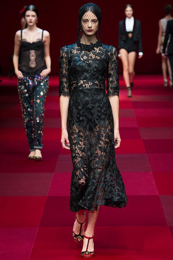 Черное платье весна-лето 2015