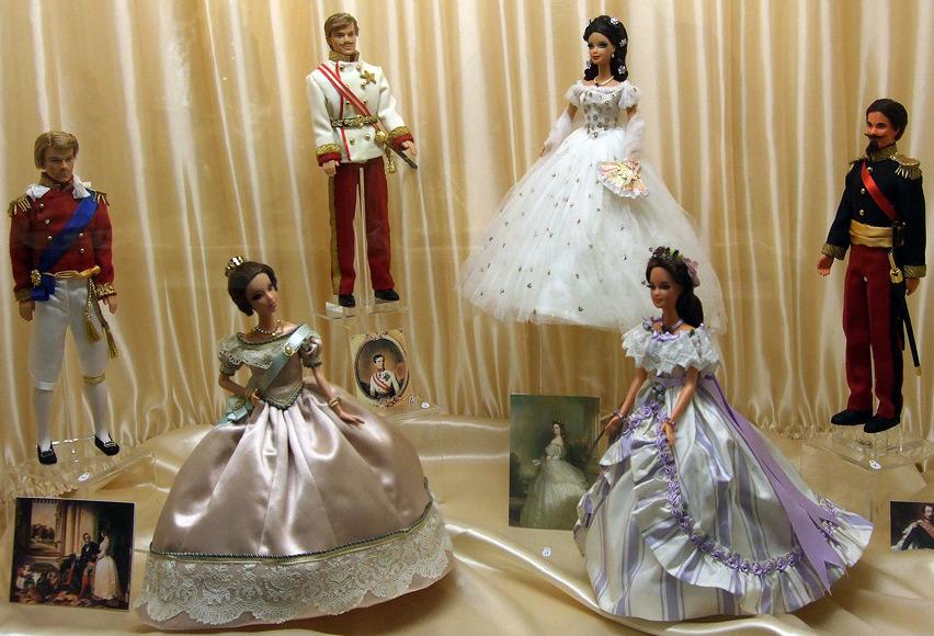 Платья и костюмы для кукол от Клод Брабант