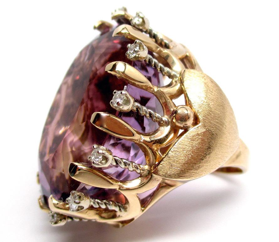 кольцо с бриллиантами и крупным аметистом