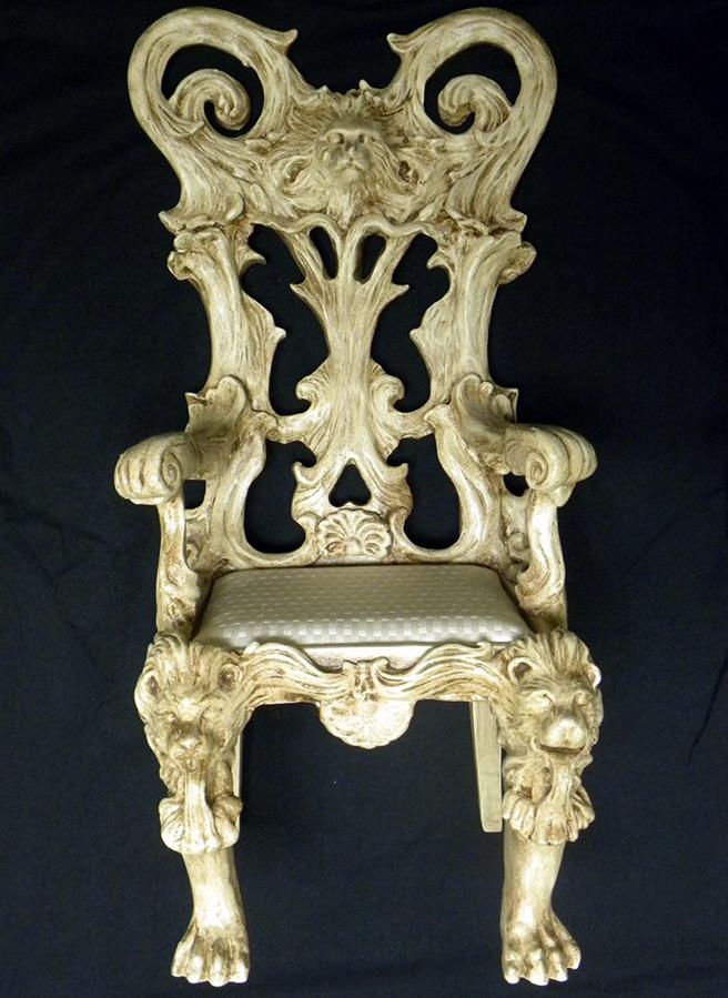 Роскошное кресло для кукол