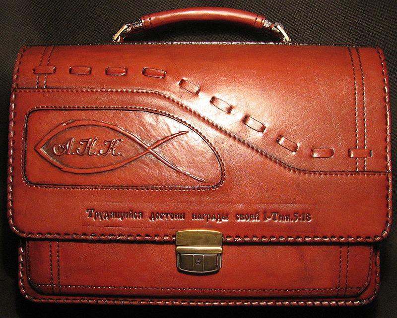 Мужская сумочка борсетка и стиль
