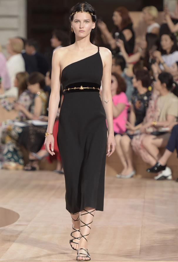 Черное платье от Валентино