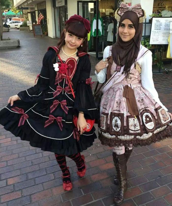 Японская и исламская Лолита