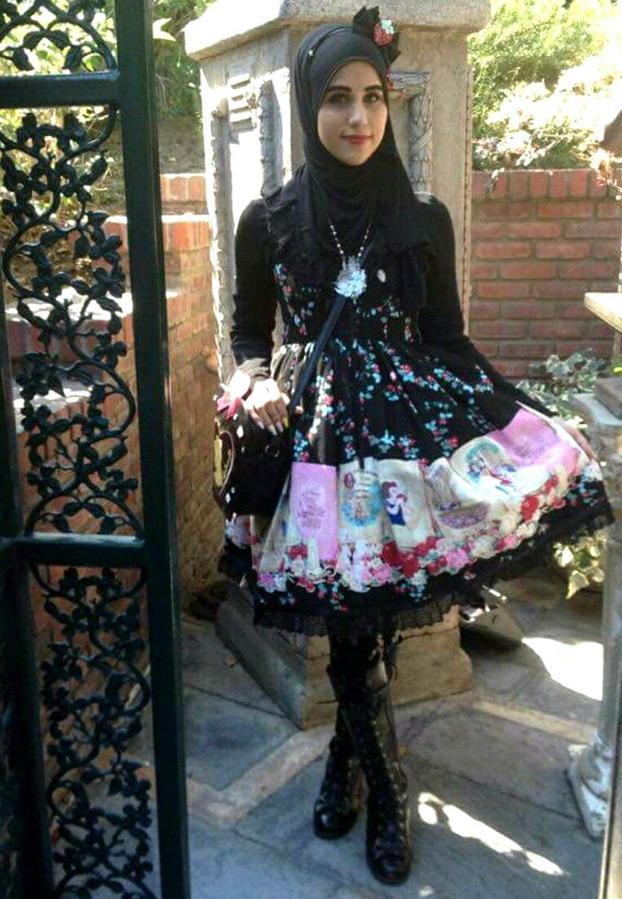 Восточная Лолита в хиджабе