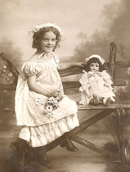 Старинная кукла фото