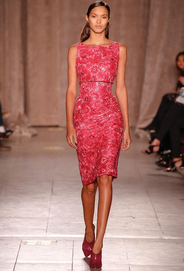 Модное обтягивающее платье