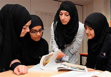 Мусульманская одежда для девушек и женщин