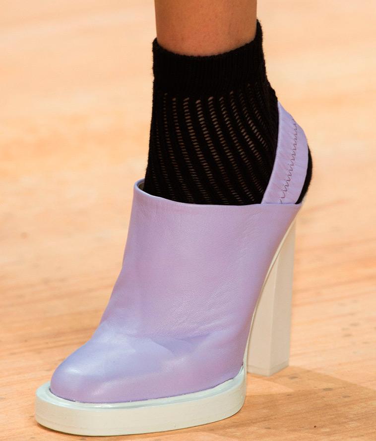 Сиреневая женская обувь