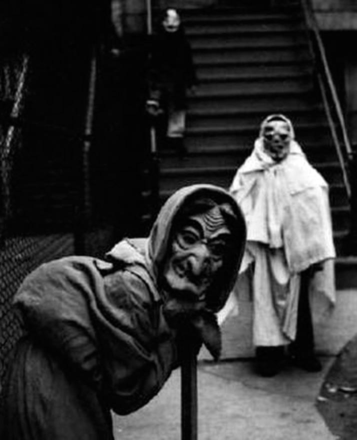 Винтажный наряд на Хэллоуин