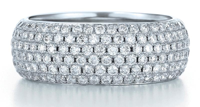 Кольцо с бриллиантовым паве