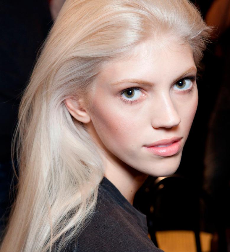 Девон Виндзор – высокая блондинка