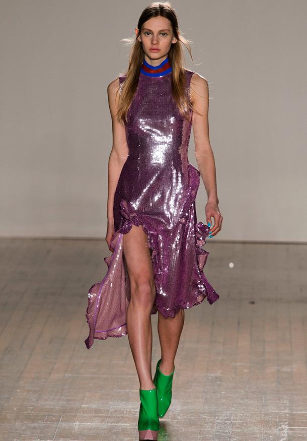 Сверкающее платье