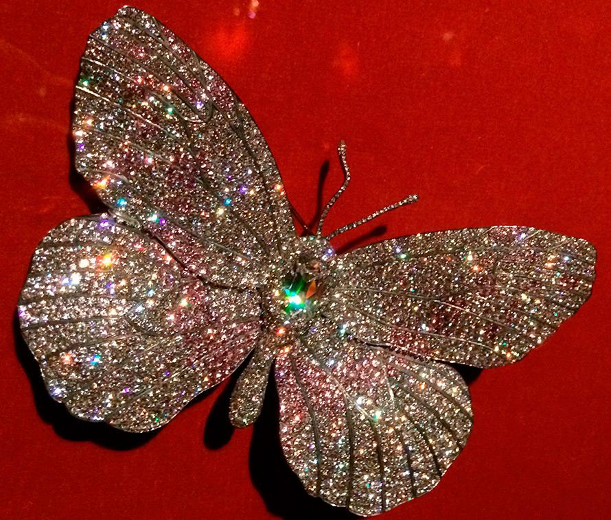 Бабочка с бриллиантами