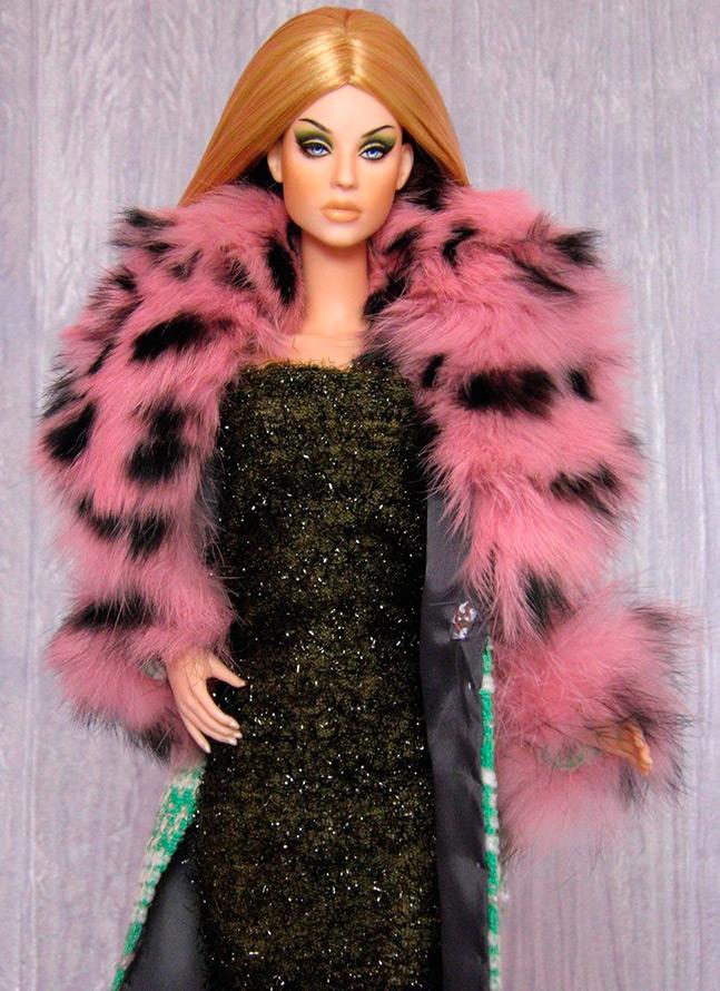 Теплое платье для куклы