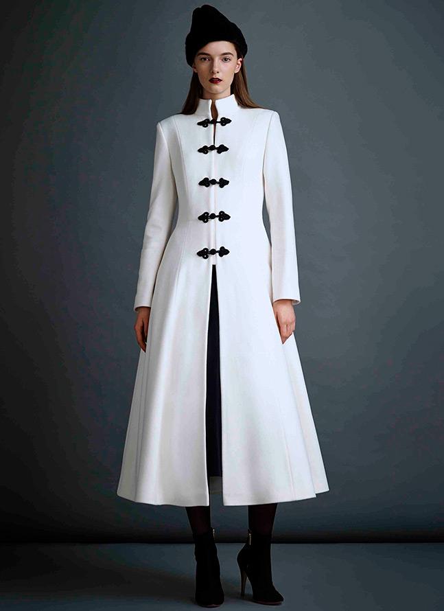 Красивые белые пальто и шубы – лучшие образы