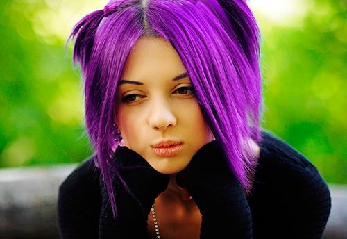 Прекрасные оттенки фиолетового цвета волос