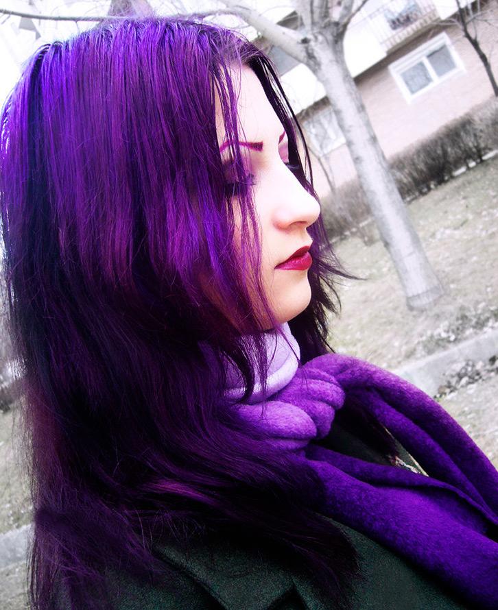 Что носить с фиолетовыми волосами
