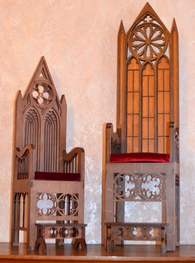 Кресла в готическом стиле для БЖД кукол