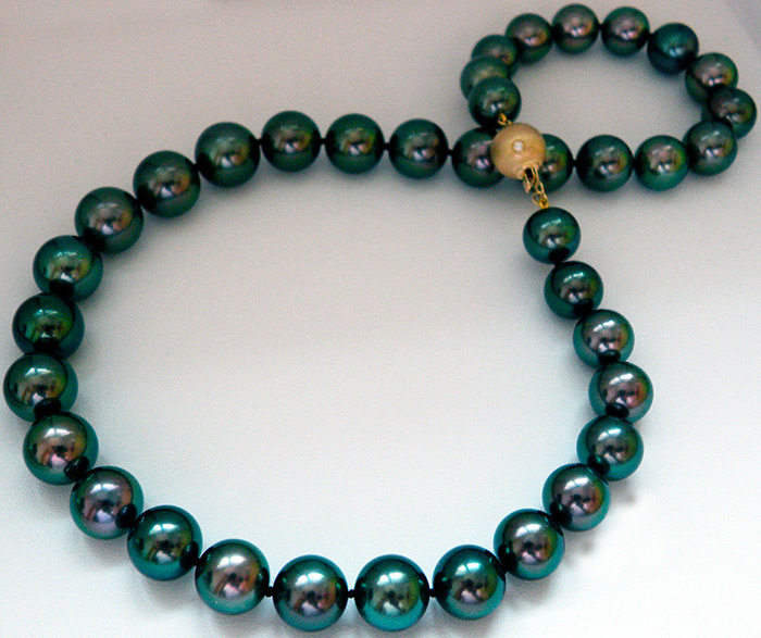 Черный жемчуг ожерелье