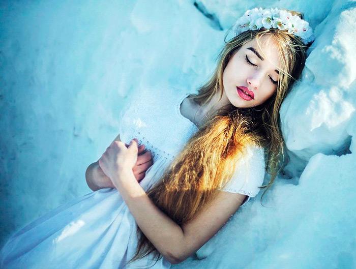 27 девушек на снегу – лучшие фото