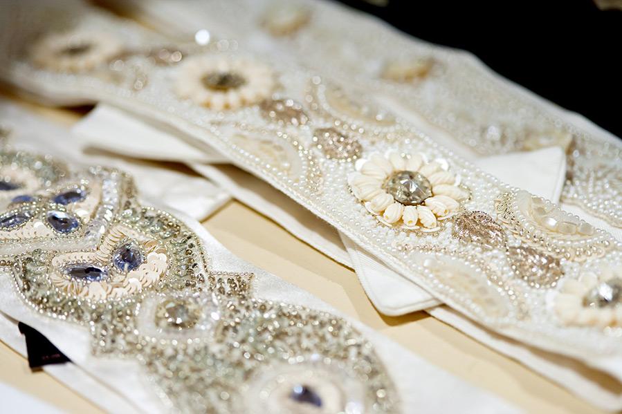 Декоративные пояса на платье