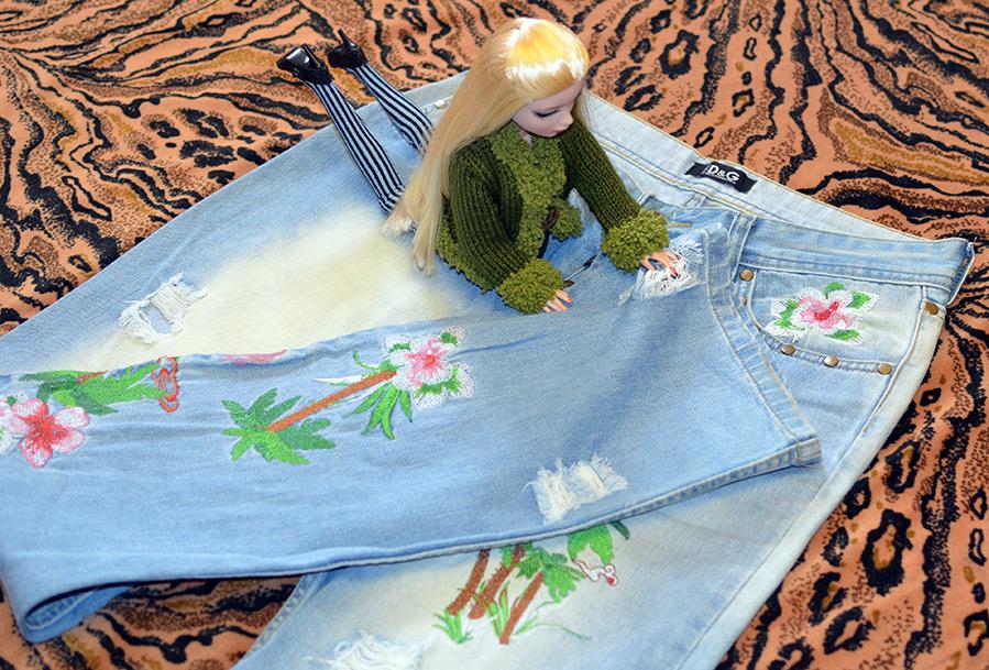 Кукла Маша и джинсы